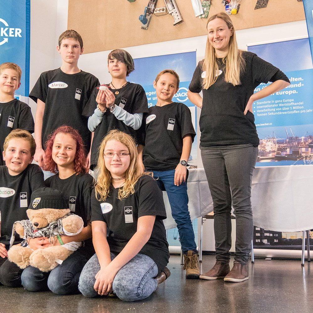 Das Team der Mittelschule Altach widmete sich mit Sponsor und Forschungspartner Loacker Recycling der Welt der Wertstoffverarbeitung.