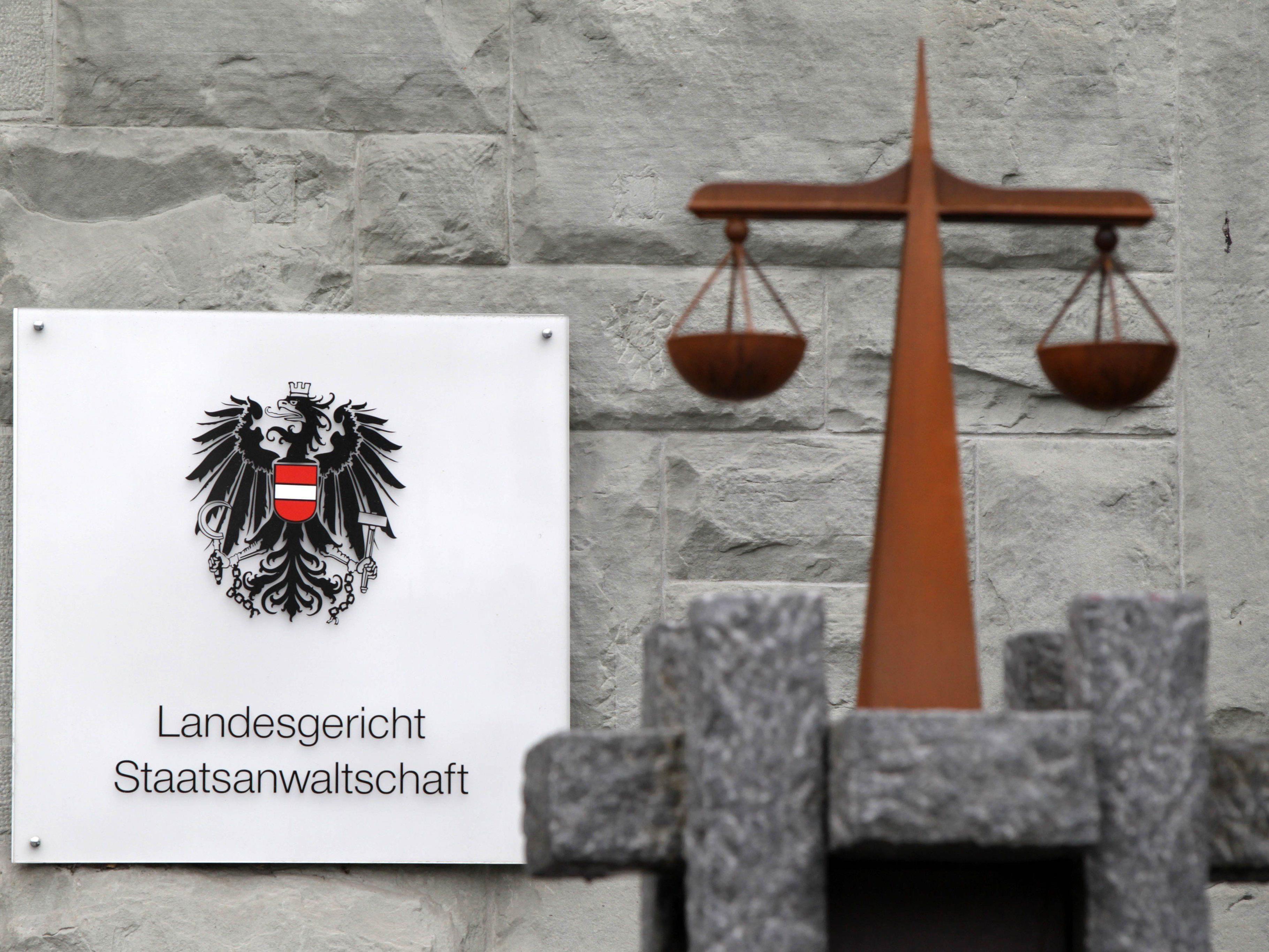 Zwei Vorarlberger Schlepper wurden am Landesgericht verurteilt.