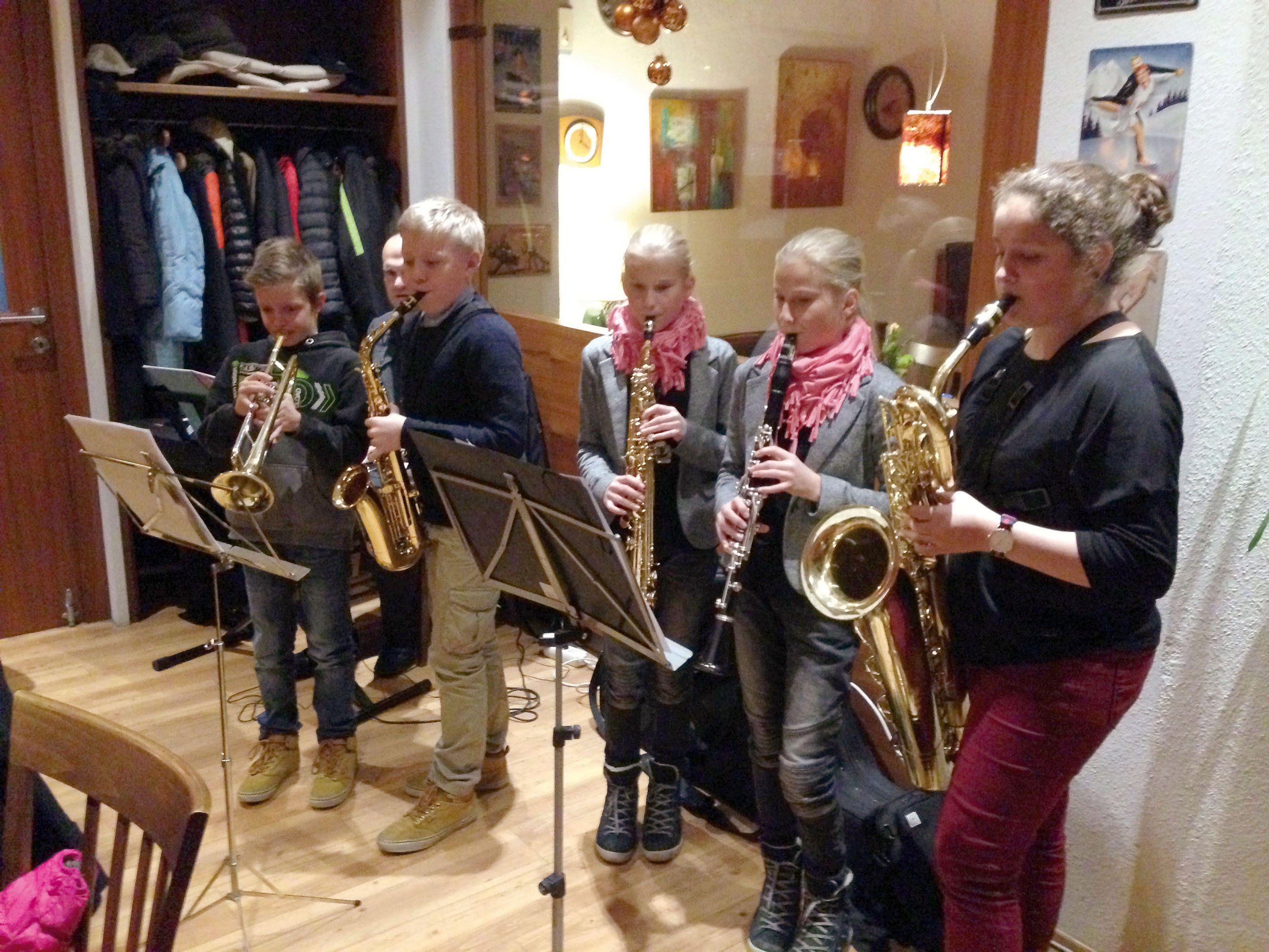 Schülerinnen und Schüler der Musikschulen Bregenz und Bregenzerwald eröffneten den Abend.