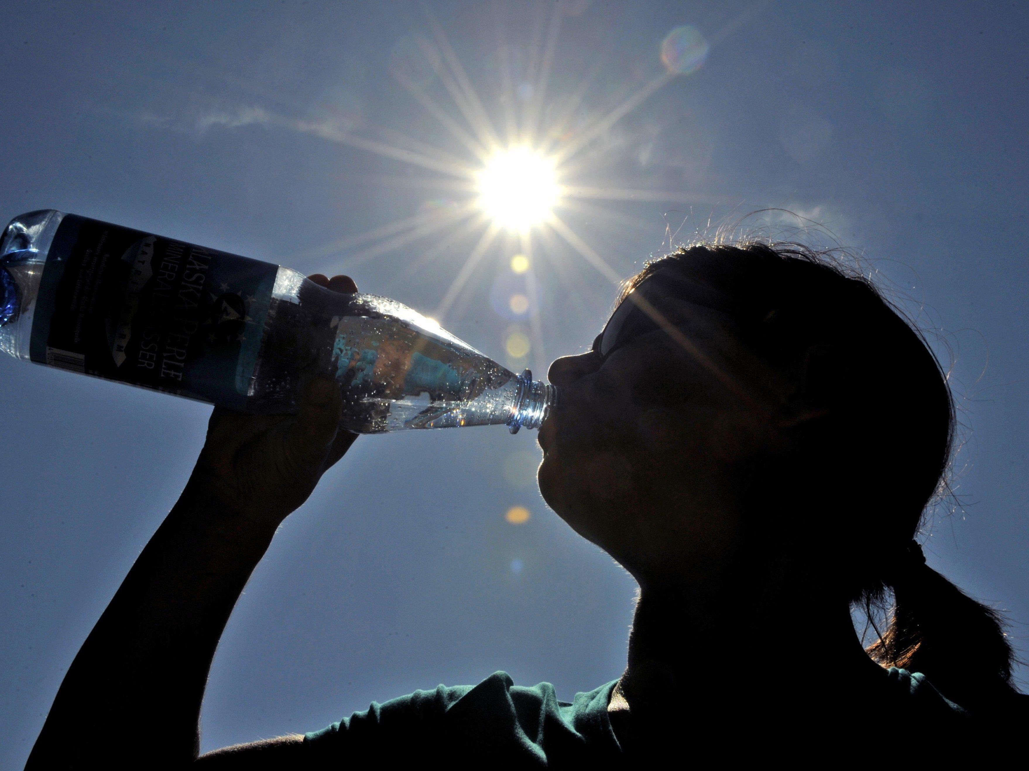 Wasser am Flughafen soll billiger werden.