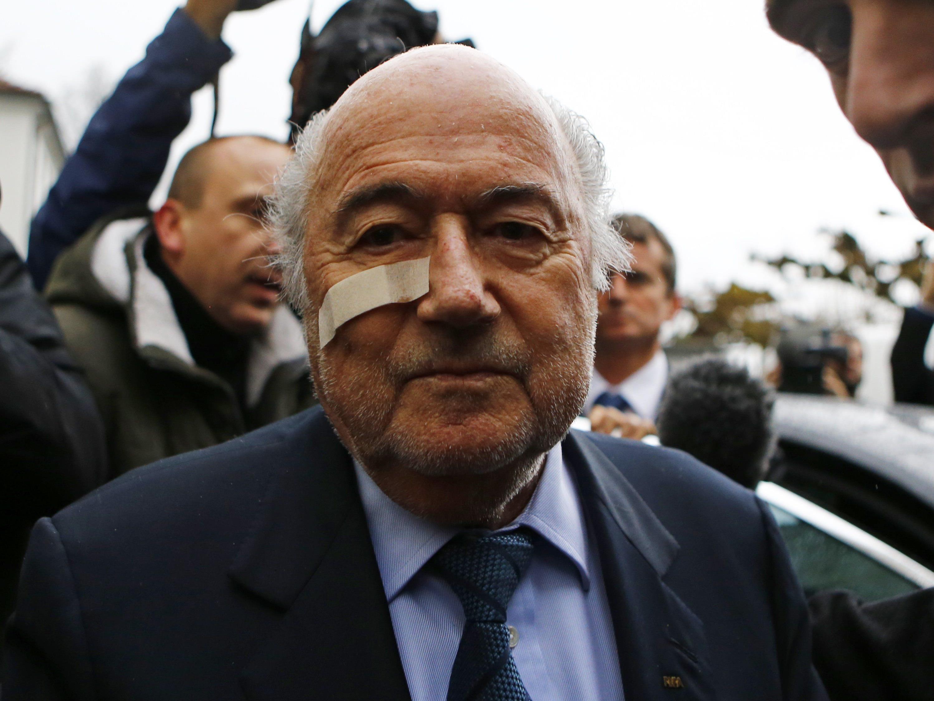 Der ewige FIFA-Boss stürzt: Achtjährige Sperre für Joseph Blatter.