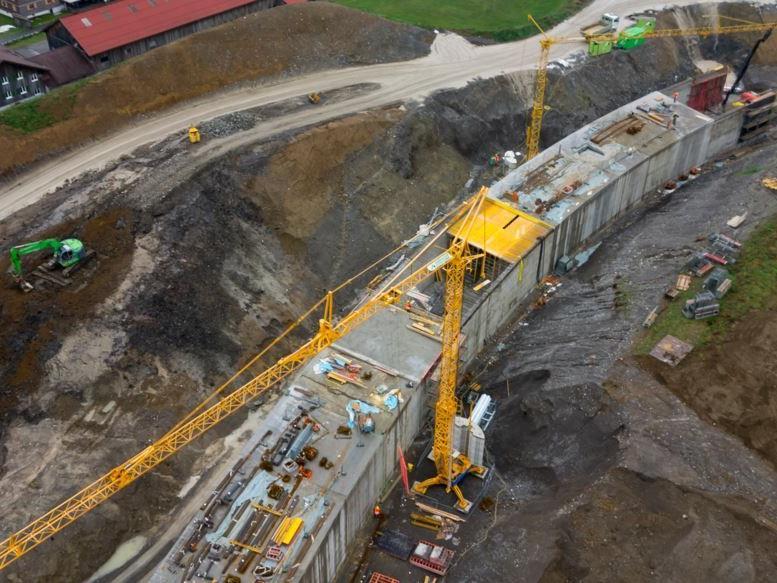 Der Tunnel steht kurz vor seiner Fertigstellung, anschließend geht es im freien Gelände mit dem Ausbau der Trasse weiter.