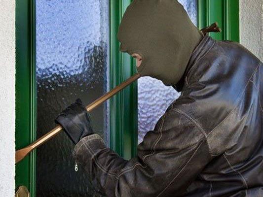 Für den Serien-Einbrecher klickten nun die Handschellen