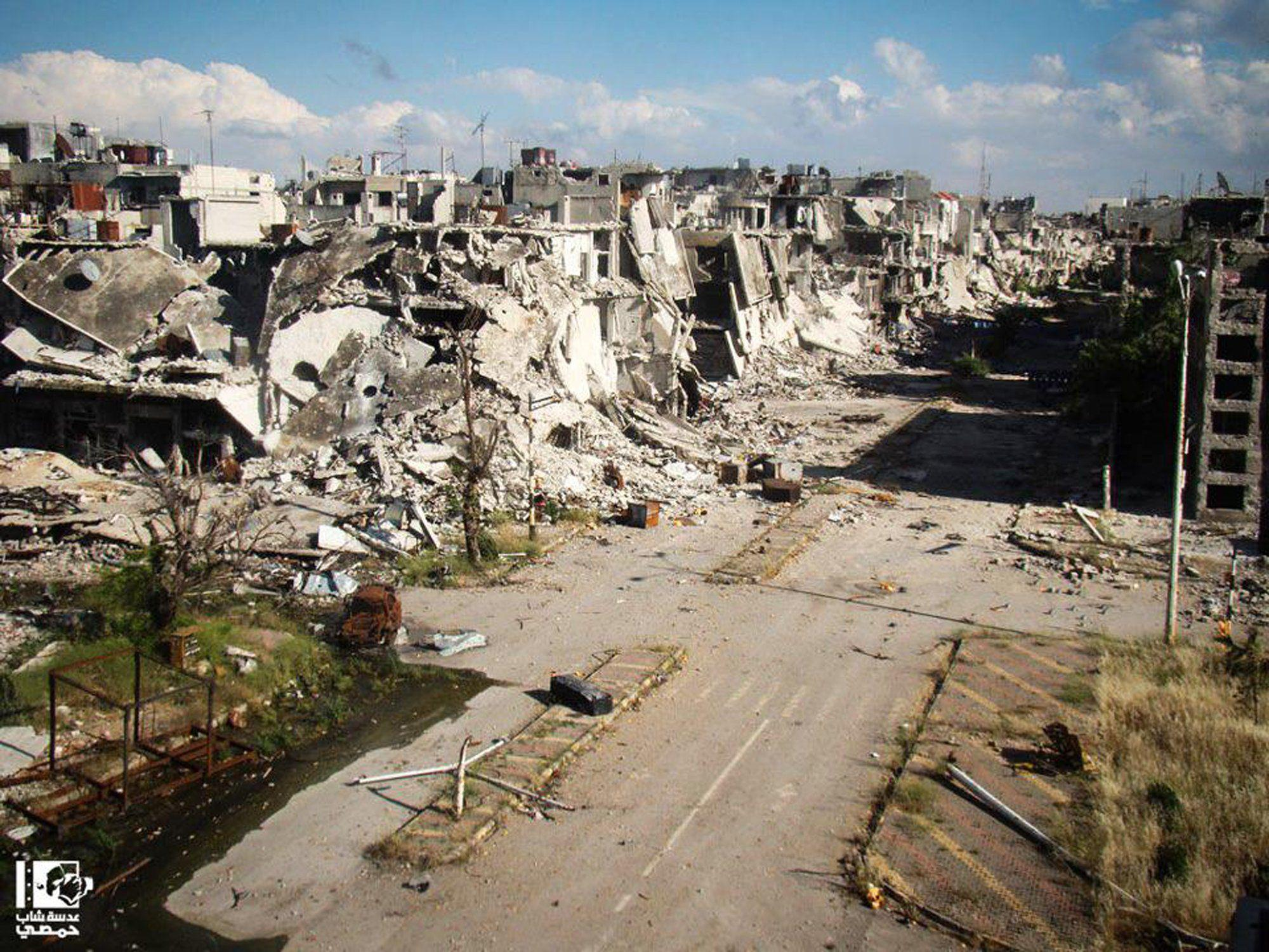 Die letzten Rebellen ziehen nach Jahren des Kampfes aus dem völlig zerstörten Homs ab.