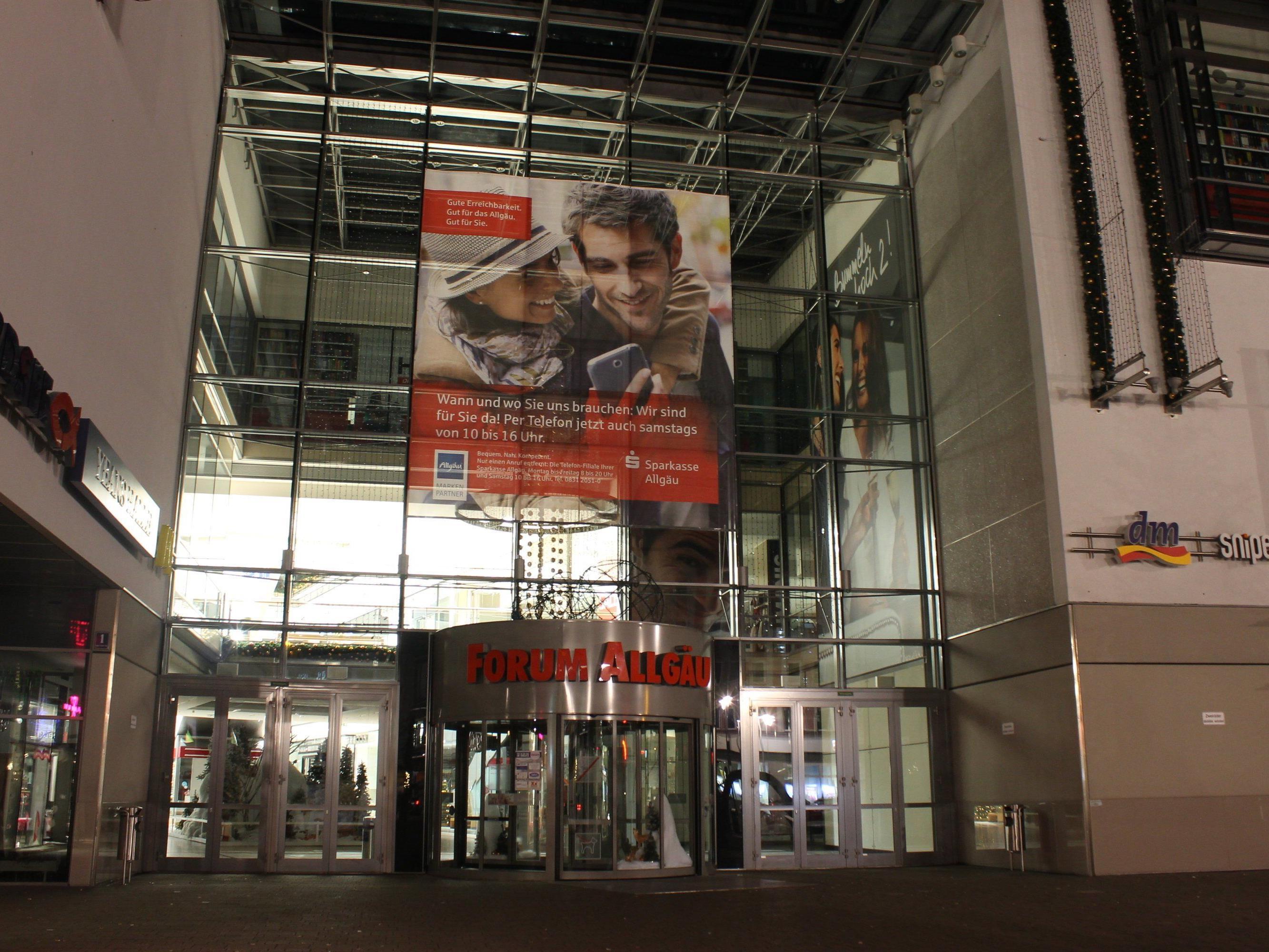 """Das Einkaufszentrum """"Forum AllgŠäu"""" in Kempten."""