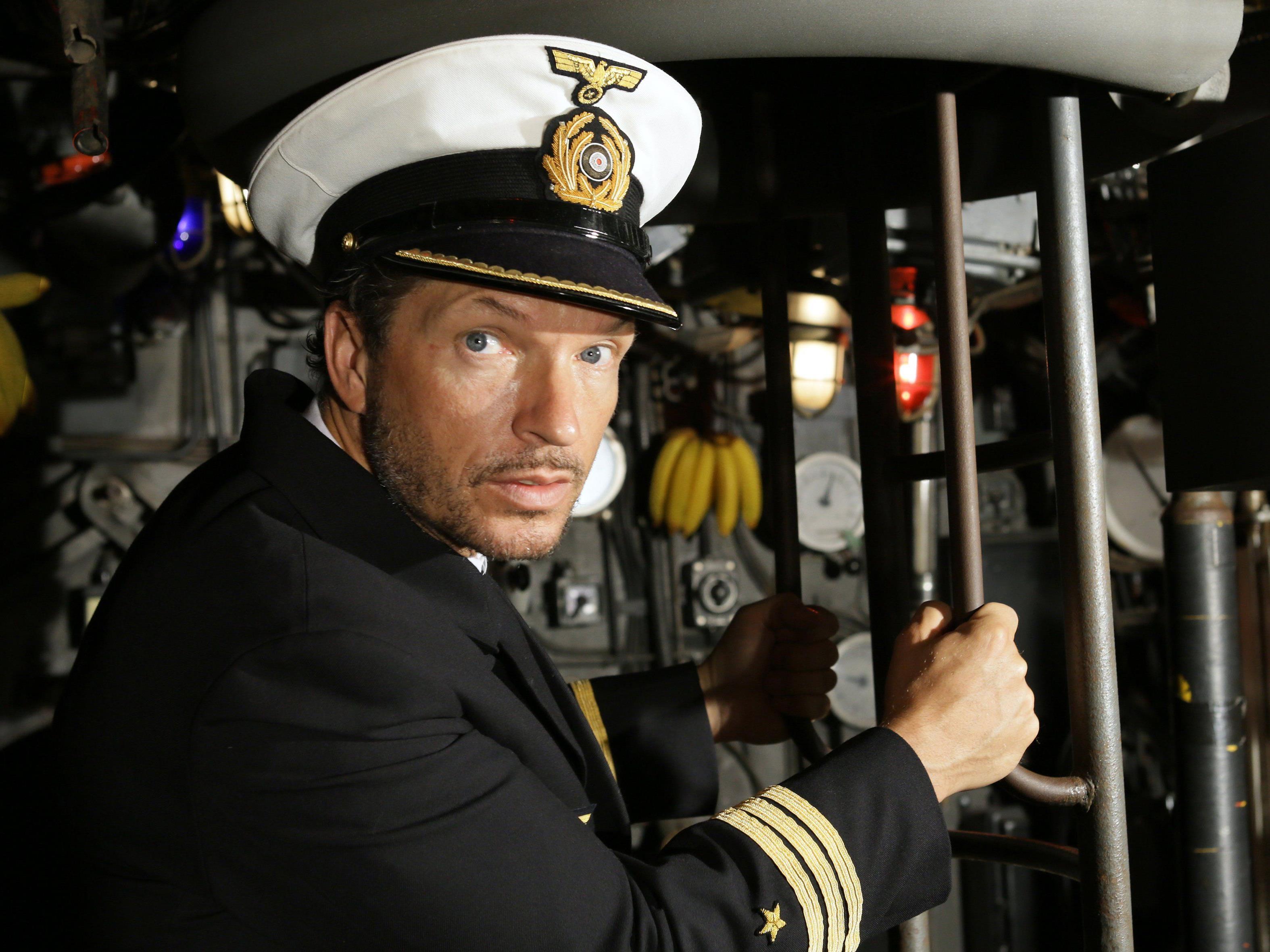 Hardy Krüger jrt. als Kapitän des U-Bootes U 96.