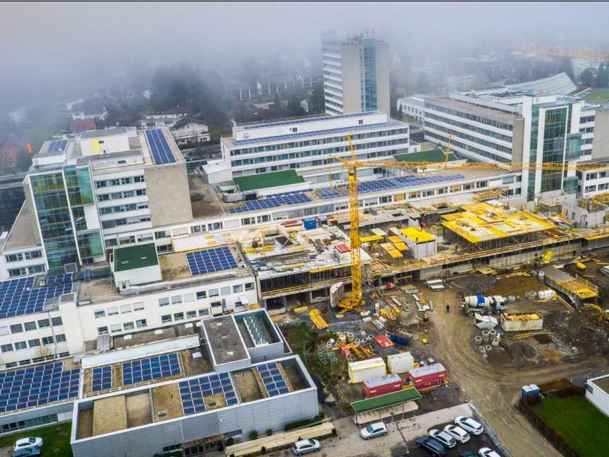 Seit März 2015 laufen die Bauarbeiten im südlichen Bereich des LKH Feldkirch auf Hochtouren.