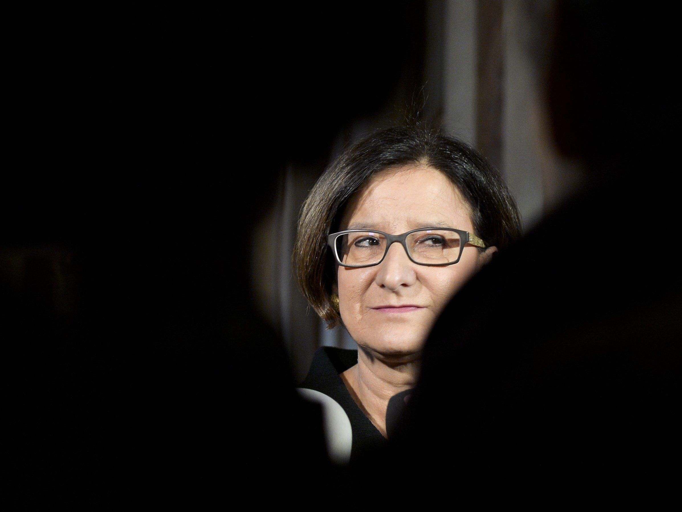 Nach den Anschlägen von Paris hat der Gedanke eines Ausnahmezustands für die Innenministerin etwas.