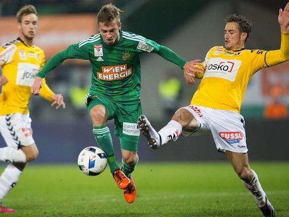 vlnr.: Philipp Schobesberger (SK Rapid Wien) und Thomas Bergmann (SV Ried) am Samstag beim Spiel