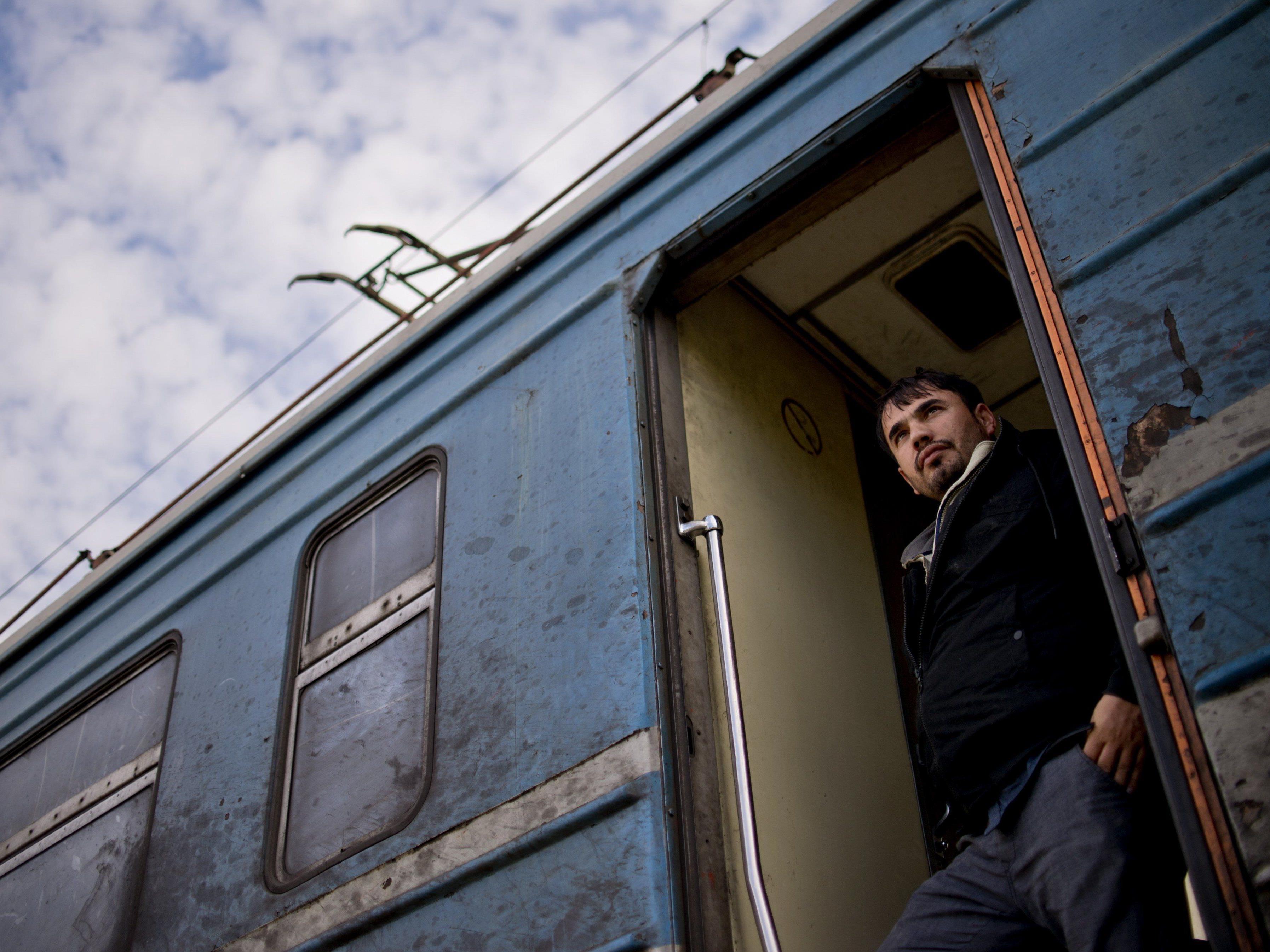 Hält der Flüchtlingsstrom nach Europa 2016 an, was denken Sie?
