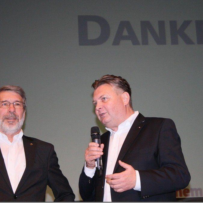 Sportstadtrat Friedl Dold dankte Josef Felder für seine geleistete Arbeit