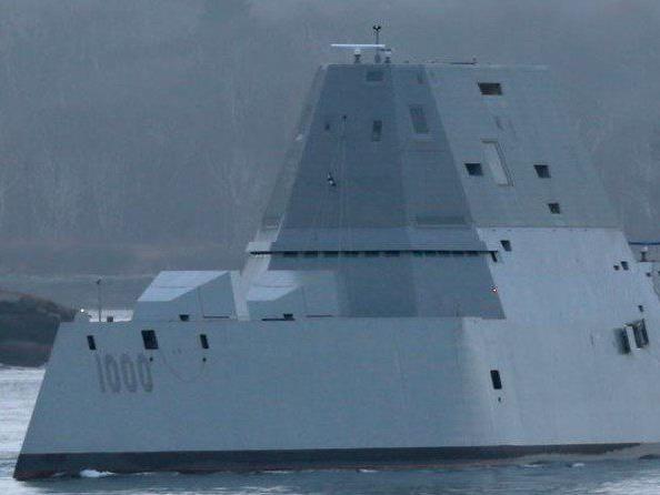 Tarnkappen-Technologie macht die USS Zumwalt auf den Weltmeeren praktisch unsichtbar.