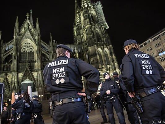 Hunderte Anzeigen nach Attacken in Köln