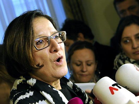 Innenministerin Mikl-Leitner verteidigt Flüchtlings-Obergrenzen