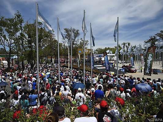 Großer Andrang beim Prolog der Rallye Dakar in Rosario, Argentinien