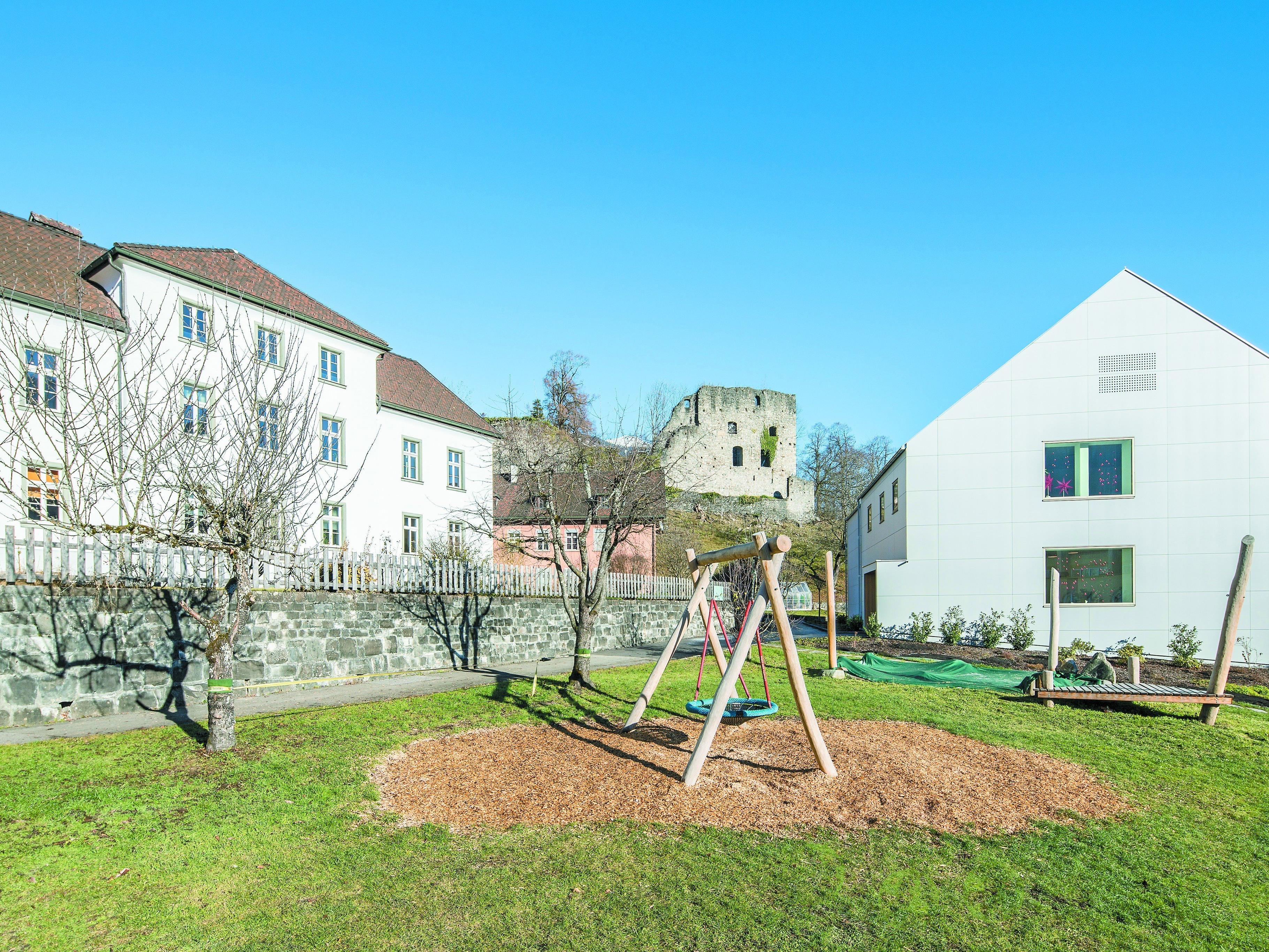 """Generalsaniert: """"Alte Schule"""" mit neuem Erscheinungsbild."""