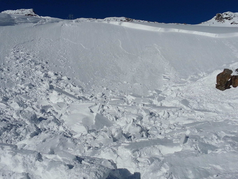 Ein Mädchen wurde am Dienstag von einem Schneebrett in Mittelberg verschüttet.