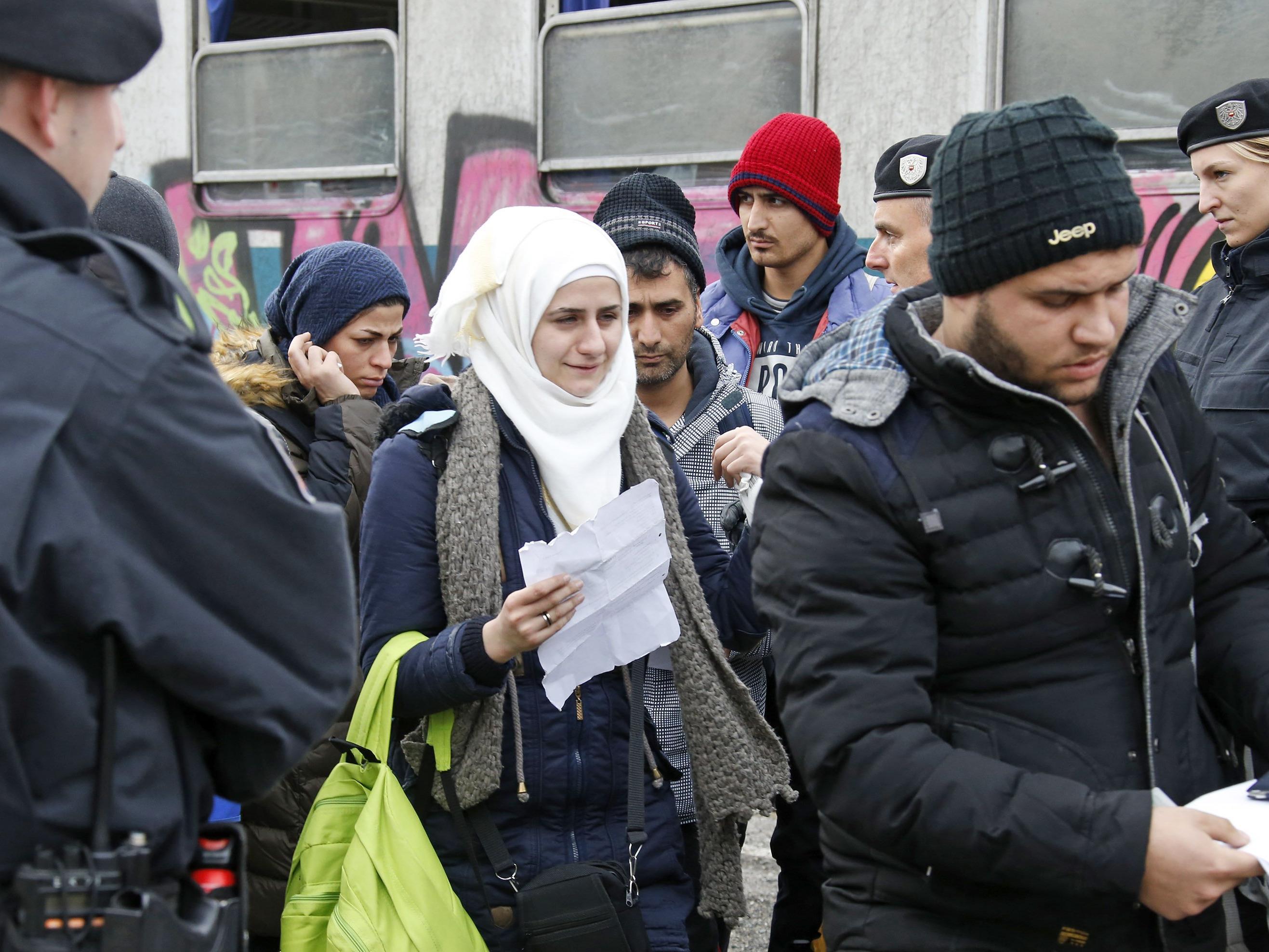 Ist eine Obergrenze für Asylanträge gut?