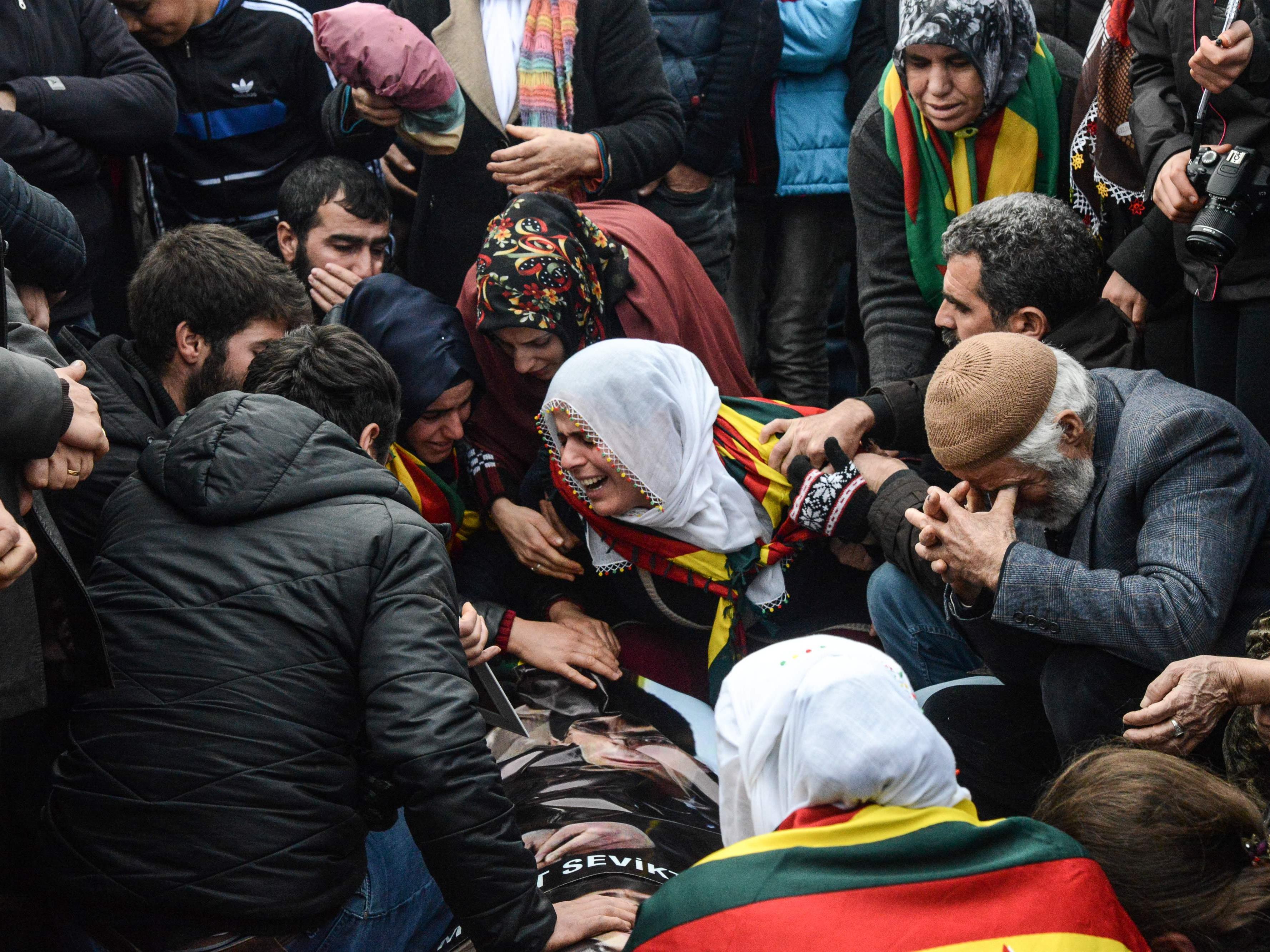 Erbitterte Kämpfe in den Kurdengebieten.