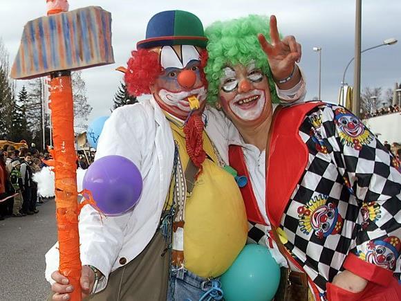 Im Wiener Prater sind am Faschingssamstag Clowns und Co. los