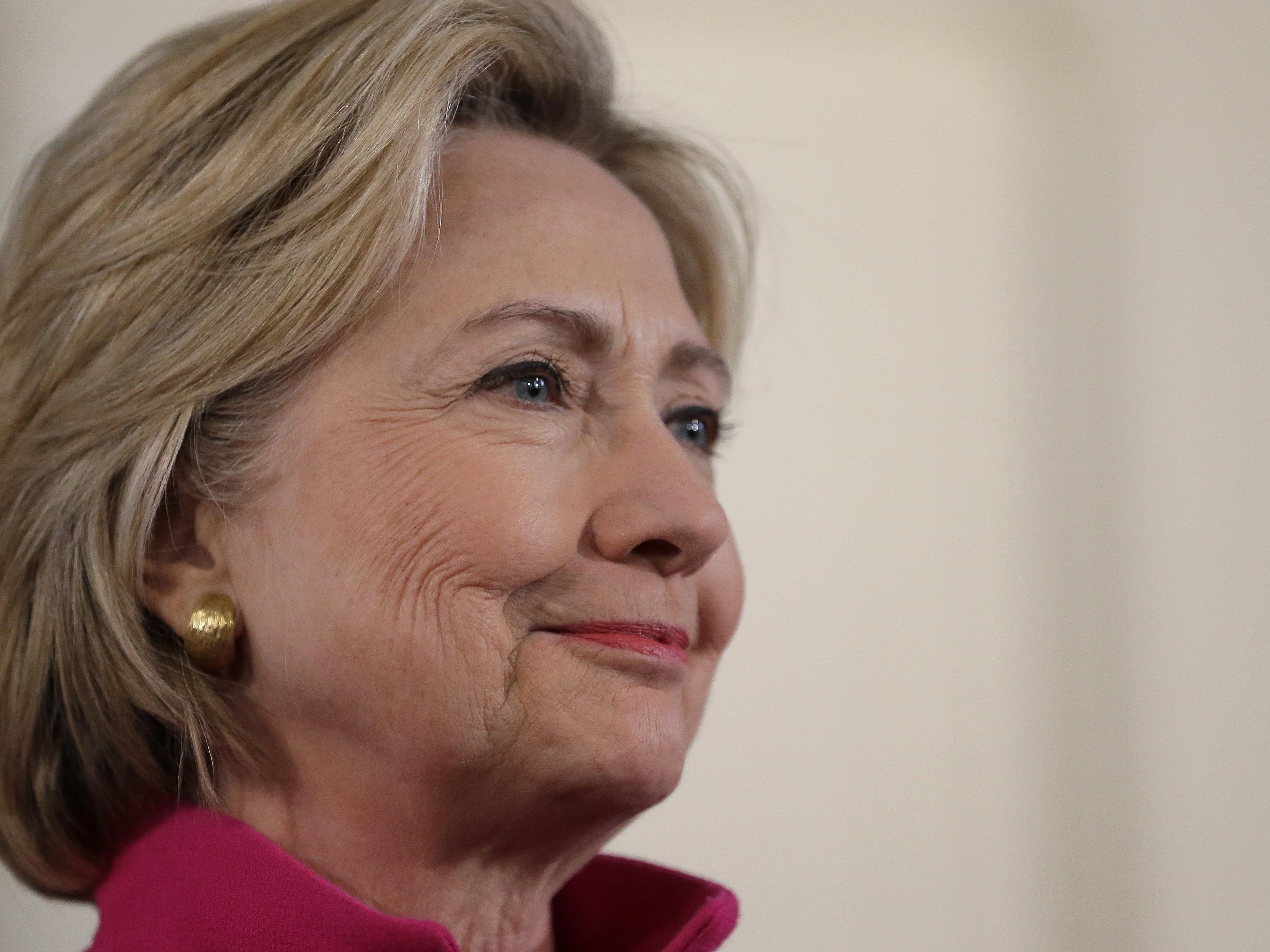 Clintons veröffentlichter E-Mail-Verkehr sorgt für Spekulationen.