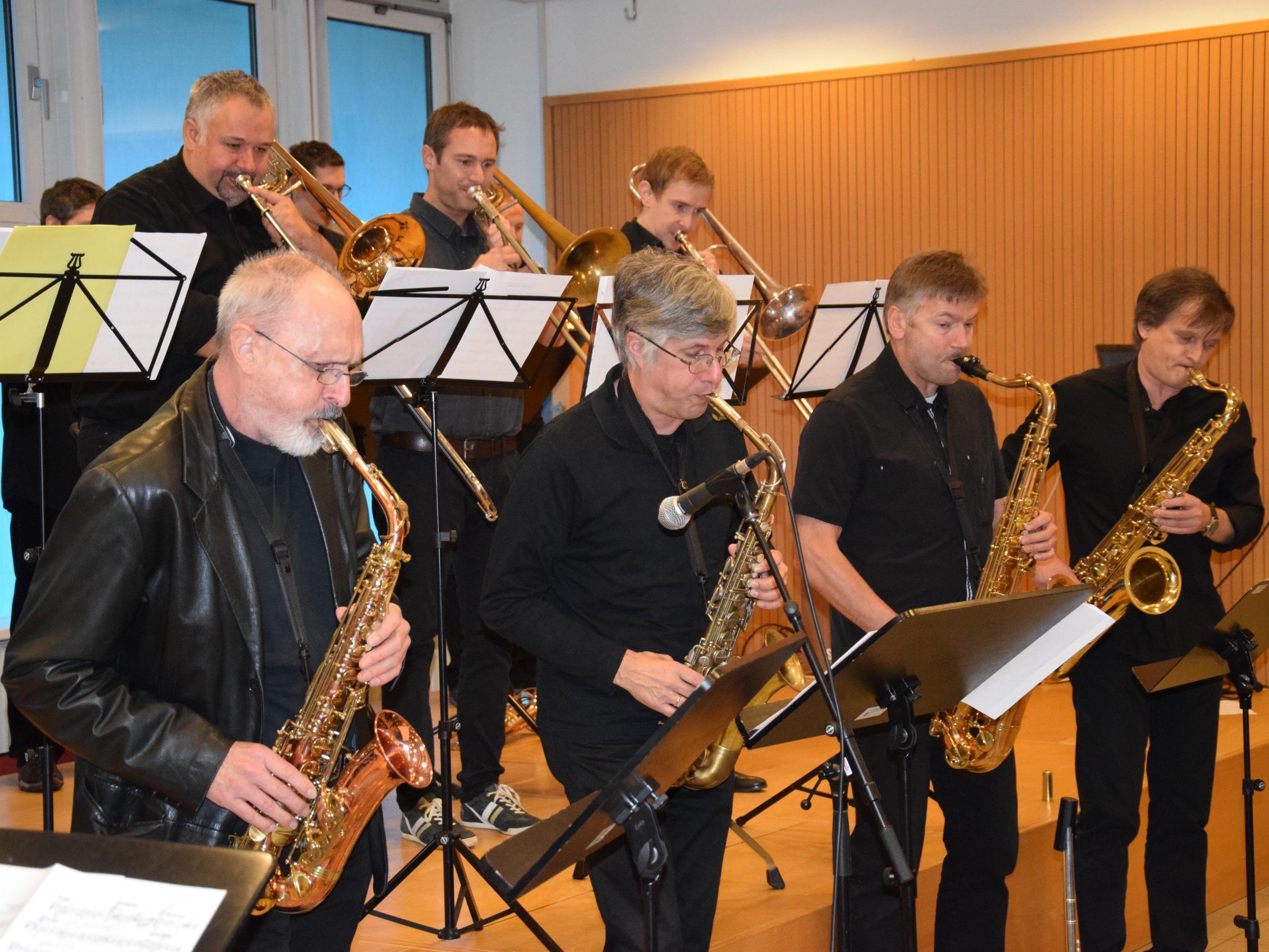 Höhepunkt des Neujahrskonzertes in der Aula des BORG Götzis: Der Auftritt der Swing Werk Big Band
