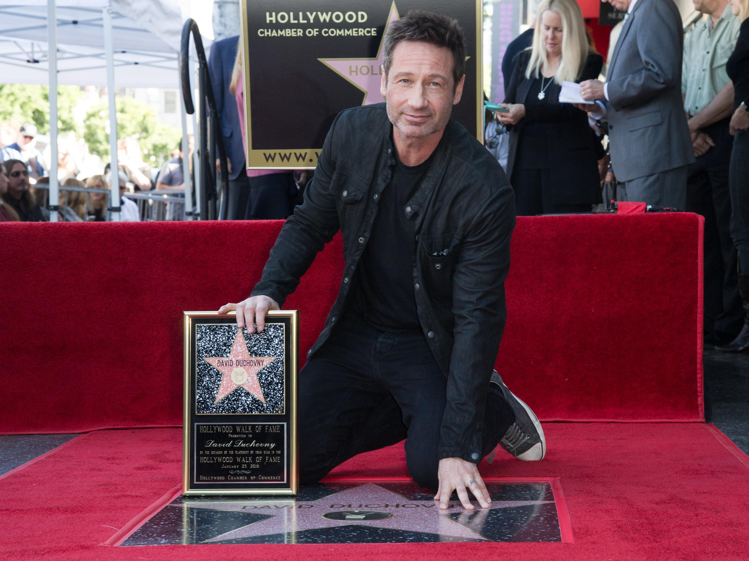 """David Duchovny erhielt einen Stern am """"Walk of Fame""""."""