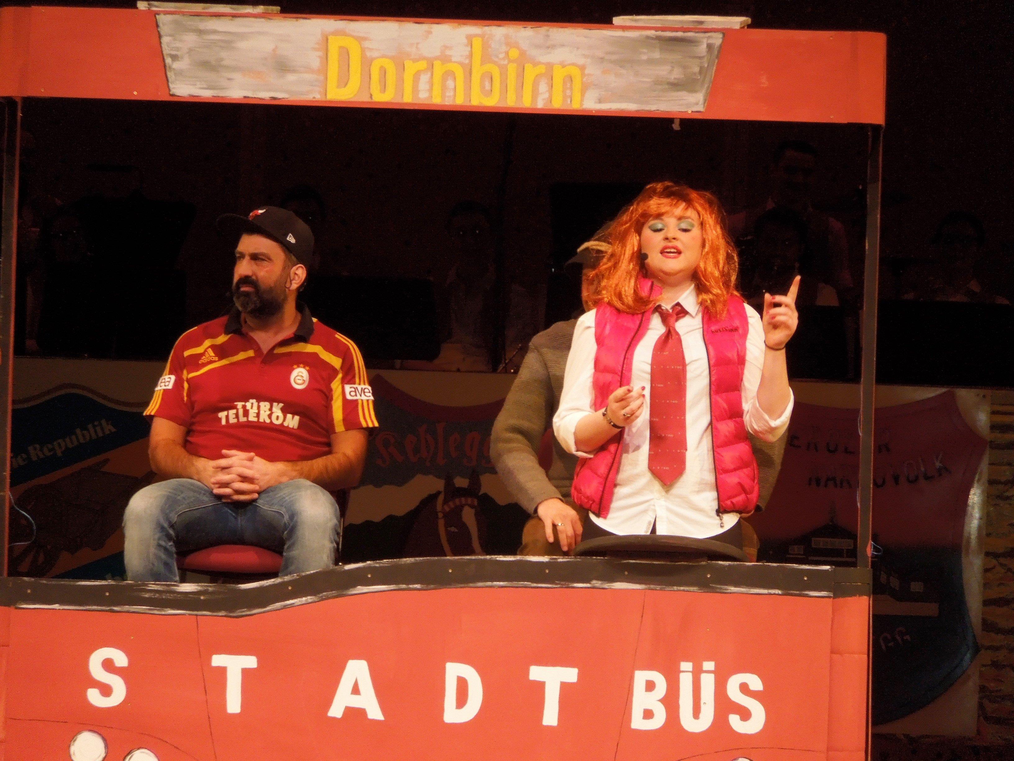 Der Stadtbüs war einer der kabarettistischen Höhepunkte des Narrenabends.