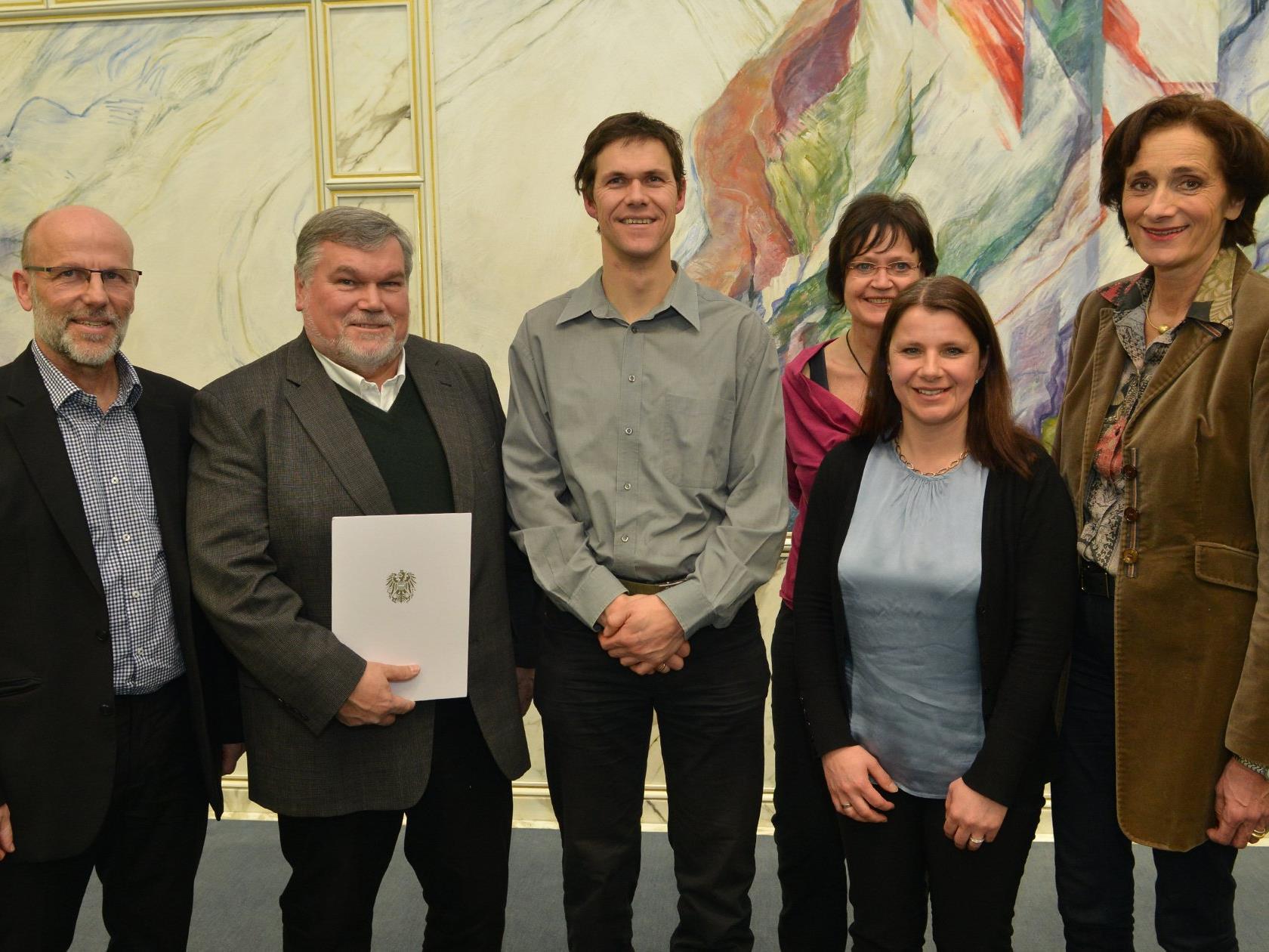 Landesrätin Mennel gratulierte Vorarlberger Schulen zur Auszeichnung mit dem Schulsportgütesiegel.