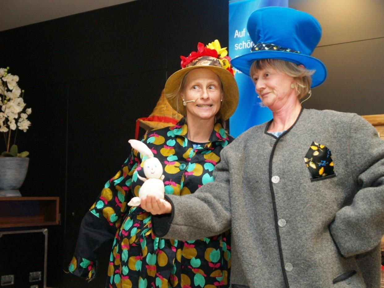 Mit ihrem Spiel begeisterten Saskia Vallazza und Sabine Henning die Ausstellungsbesucher.
