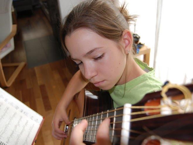 Unterstützung im schulischen sowie musikalisch-kreativen Bereich
