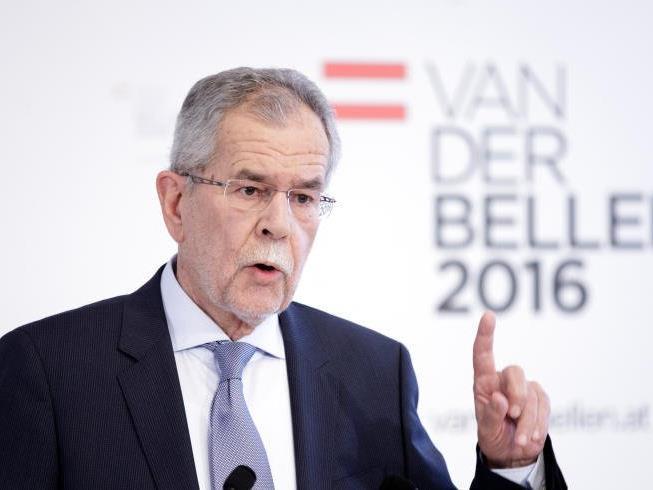 Van der Bellen am Sonntag bei einer Pressekonferenz in Wien.