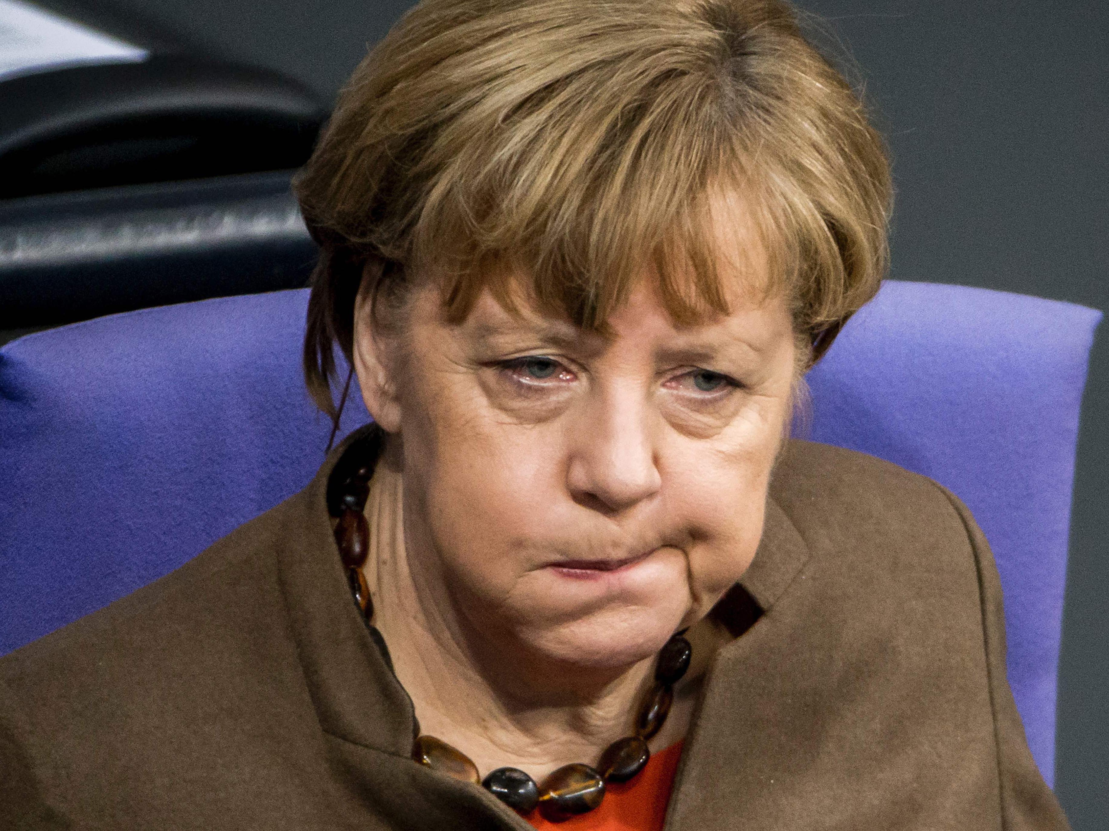 Fast die Hälfte der Deutschen fordert den Rücktritt der Kanzlerin.