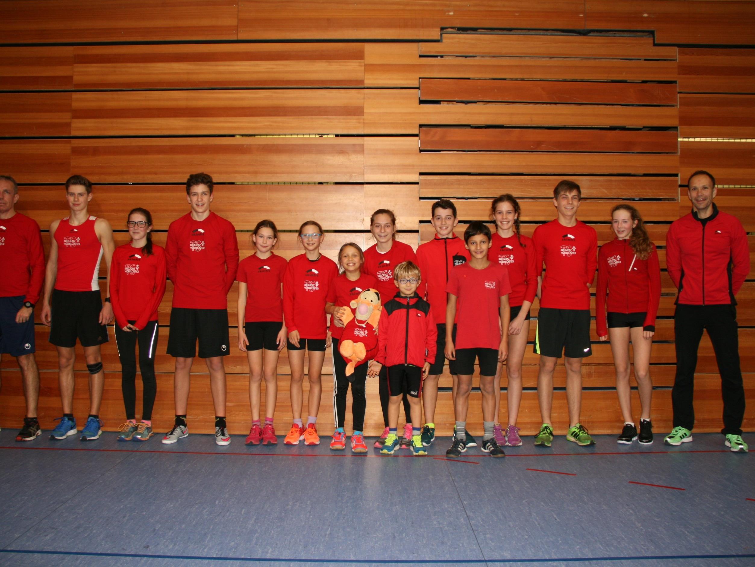 Die Teilnehmer der TS Bregenz-Vorkloster am Lustenauer Crosslauf.