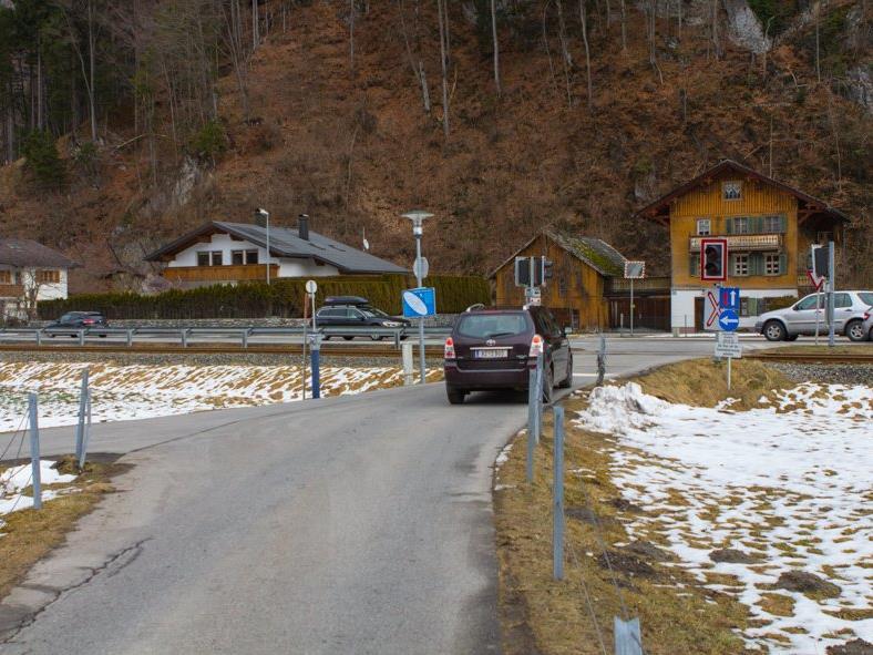Die Kreuzung L188/St.Antonerstraße soll durch eine Einbahnregelung entschärft werden.