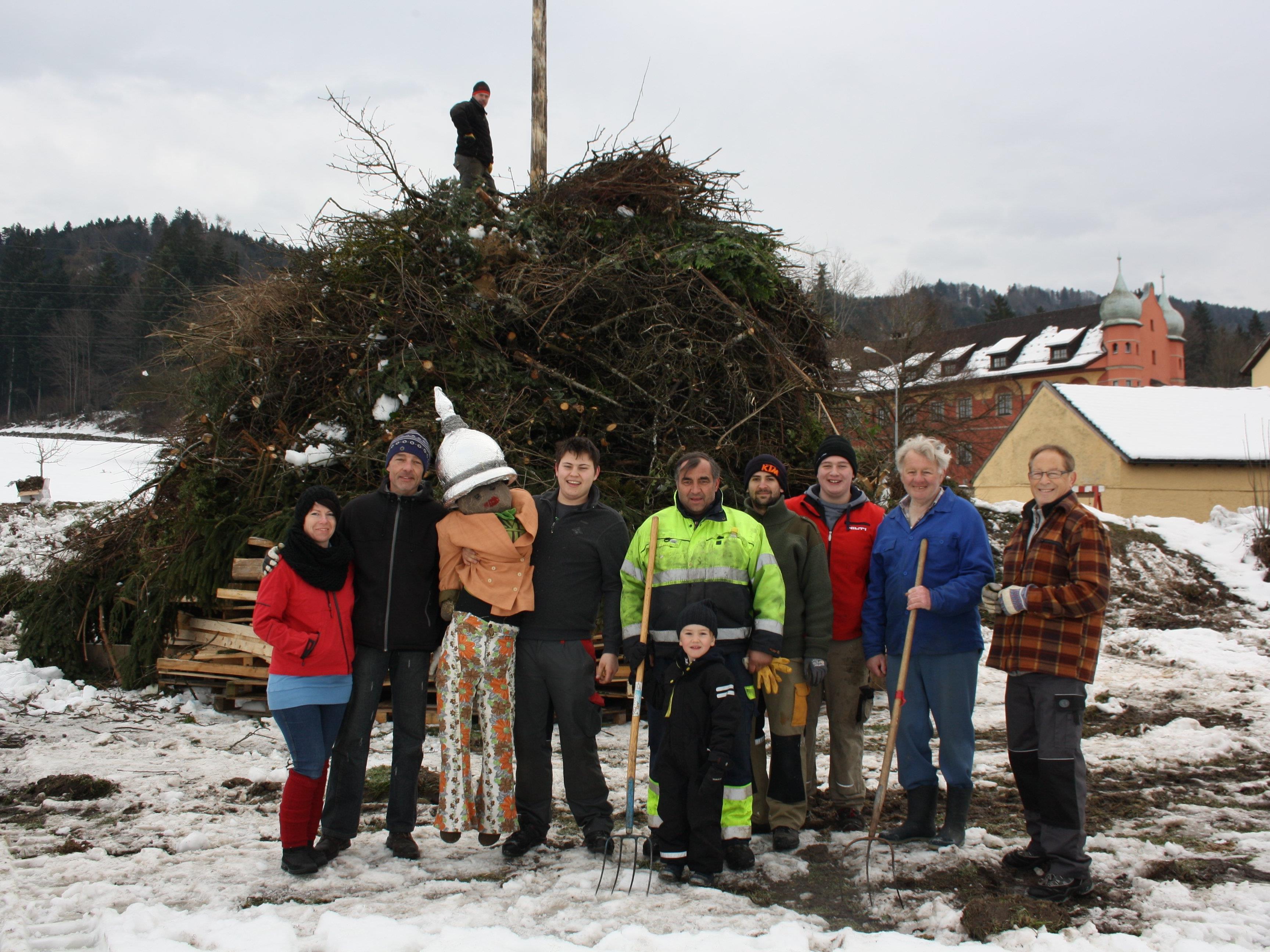 Die Funkenzünfte Bäumle, Berg und Hofen (Bild) laden am Wochenende zum großen traditionellen dreifachen Lochauer Funkenabbrennen.