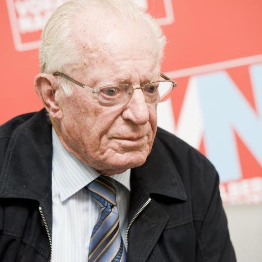 Alfons Giesinger gründete 1956 zusammen mit seinem Vater und Albert Kopf das Verpackungsunternehmen Giesinger & Kopf