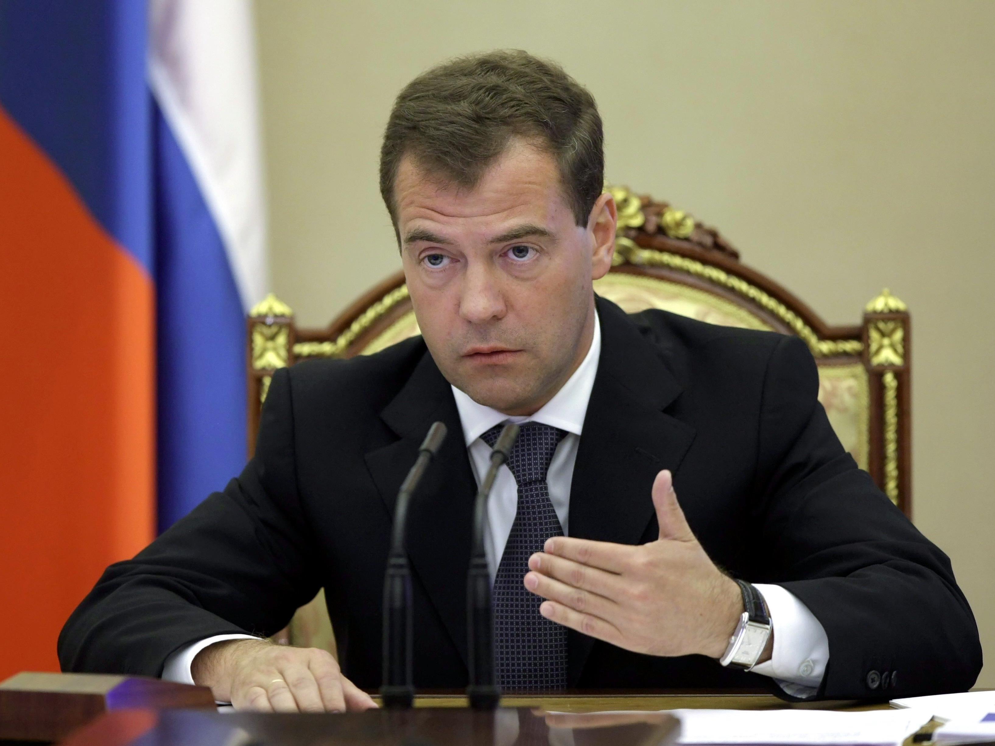 """Medwedew: Verhandeln statt """"einen neuen Weltkrieg"""" auslösen."""