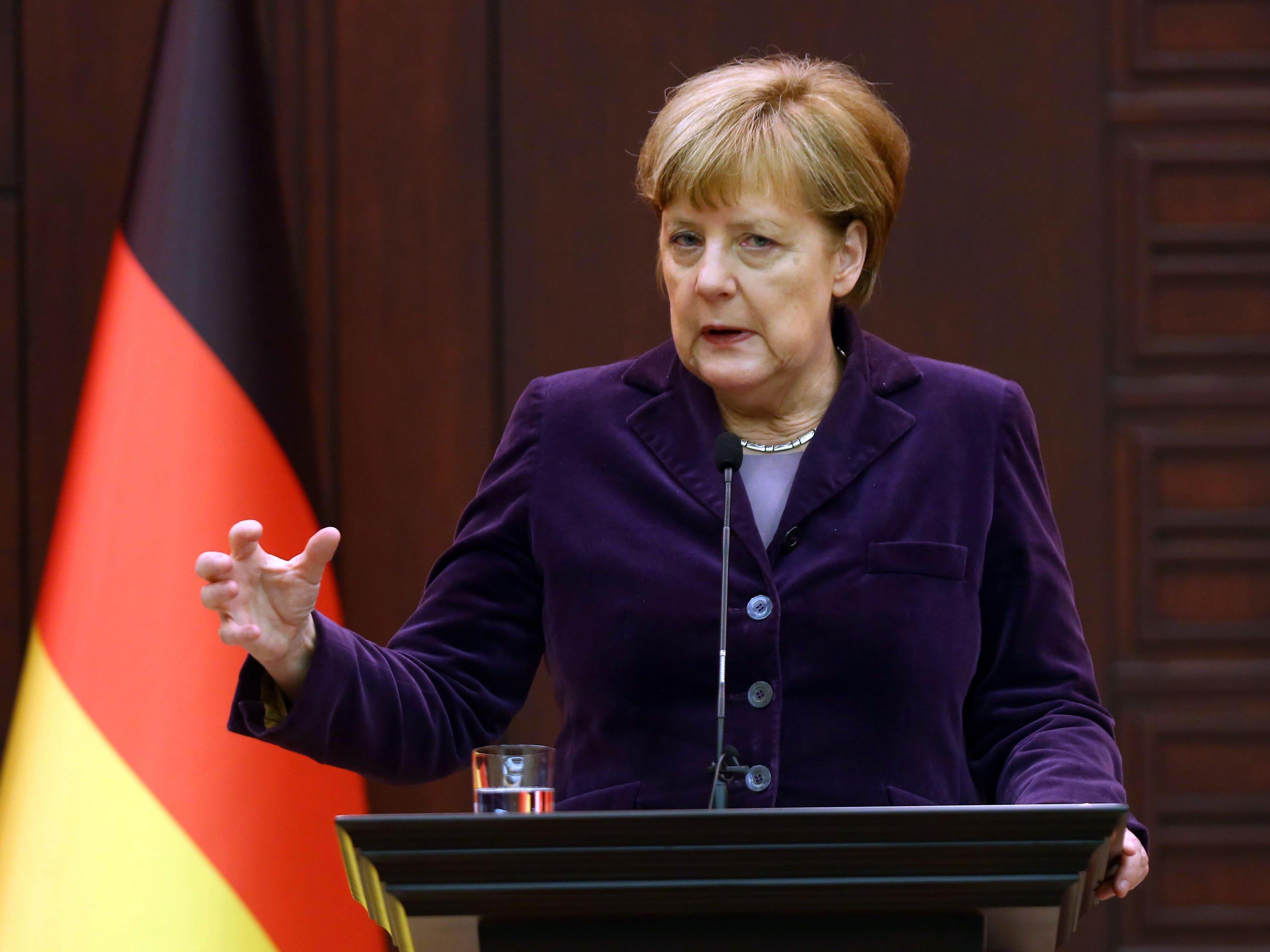 Angele Merkel will aus dem Kampf gegen Schlepper einen NATO-Einsatz machen.