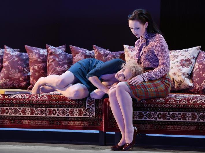 Sigrid Herzog sorgt für intelligente Inszenierung am Vorarlberger Landestheater