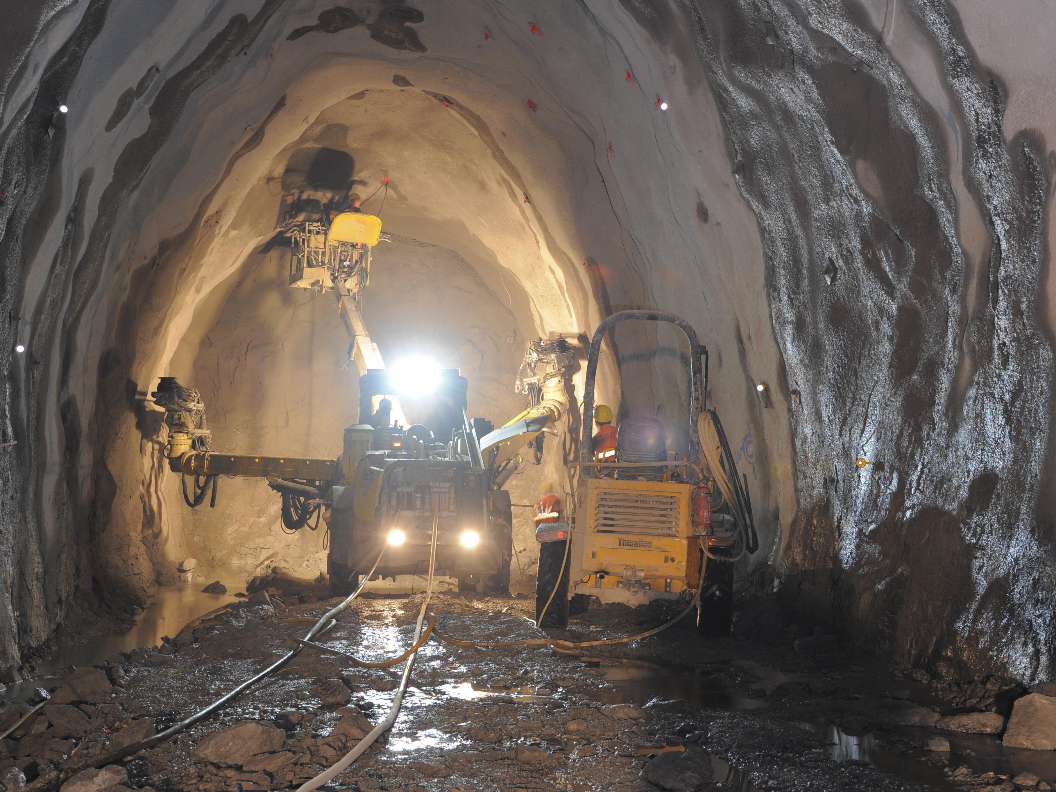 Die Arbeiten am Kraftwerk laufen weiter auf Hochtouren.