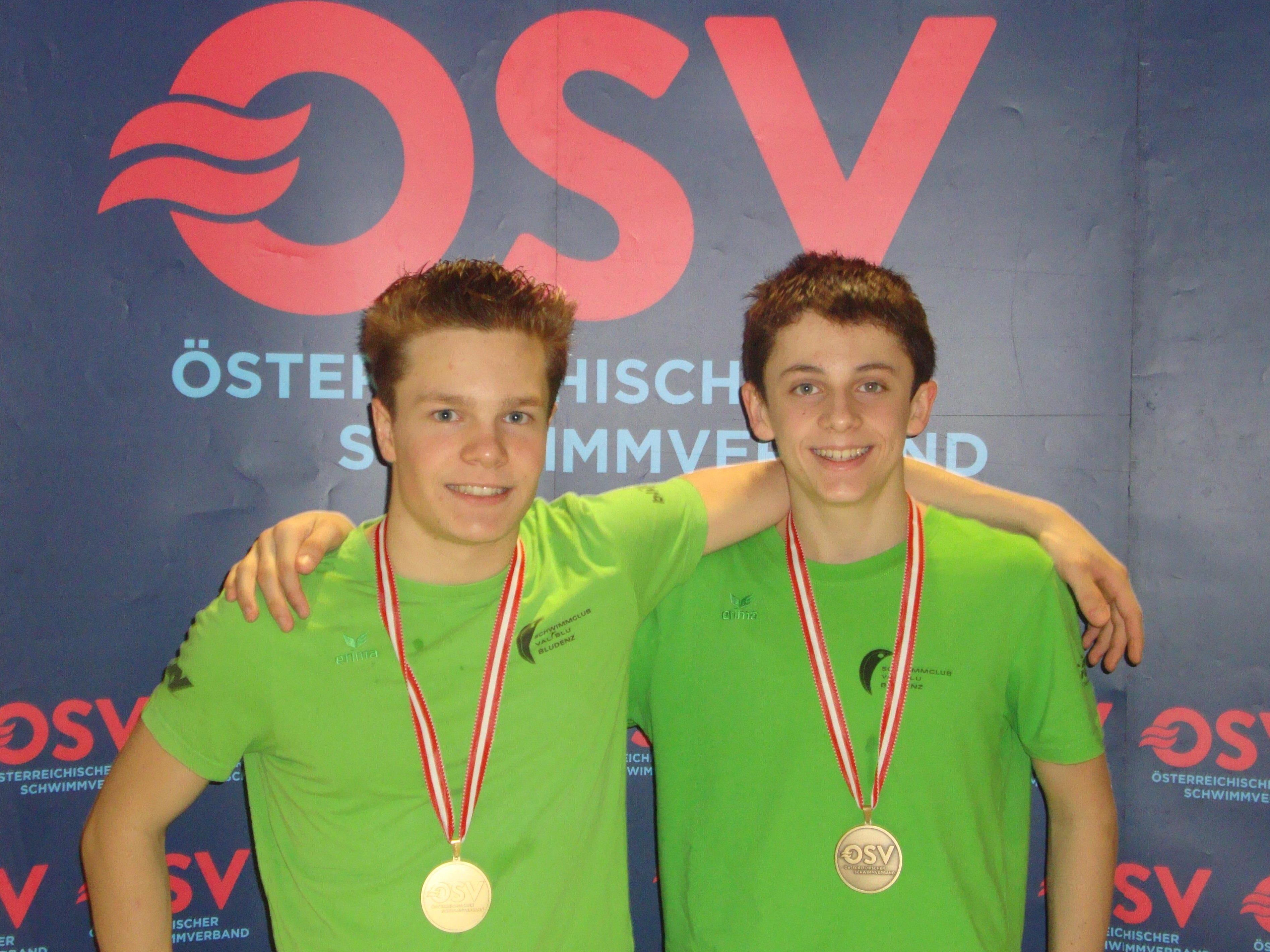 Erfolgreiche Schwimmer Nicolas Pock und Moritz Messner (v.l.)