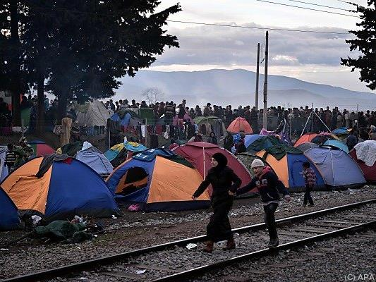 Immer mehr Menschen starnden in Griechenland