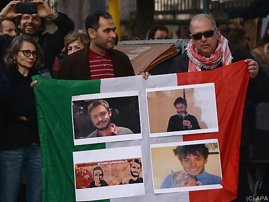 Freunde und Verwandte verlangen Aufklärung von Kairo