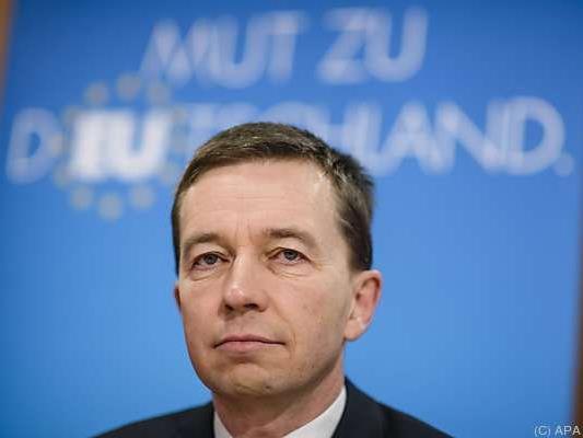 AfD-Mitbegründer Bernd Lucke hat sein EU-Mandat behalten
