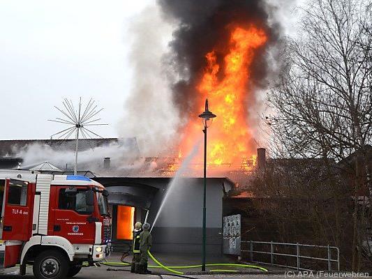 Zwölf Feuerwehren waren im Einsatz