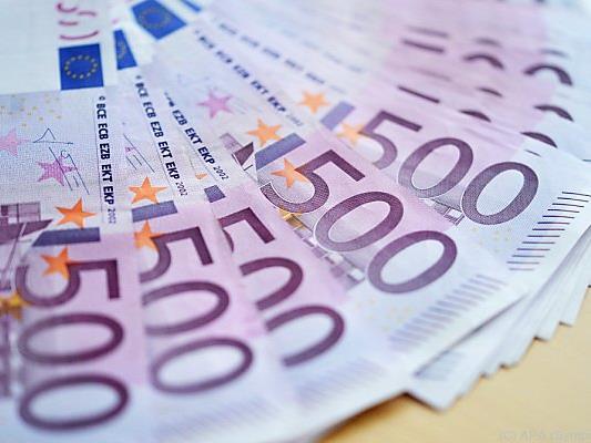 37 Scheine zu je 500 Euro zerschnipselte die Frau