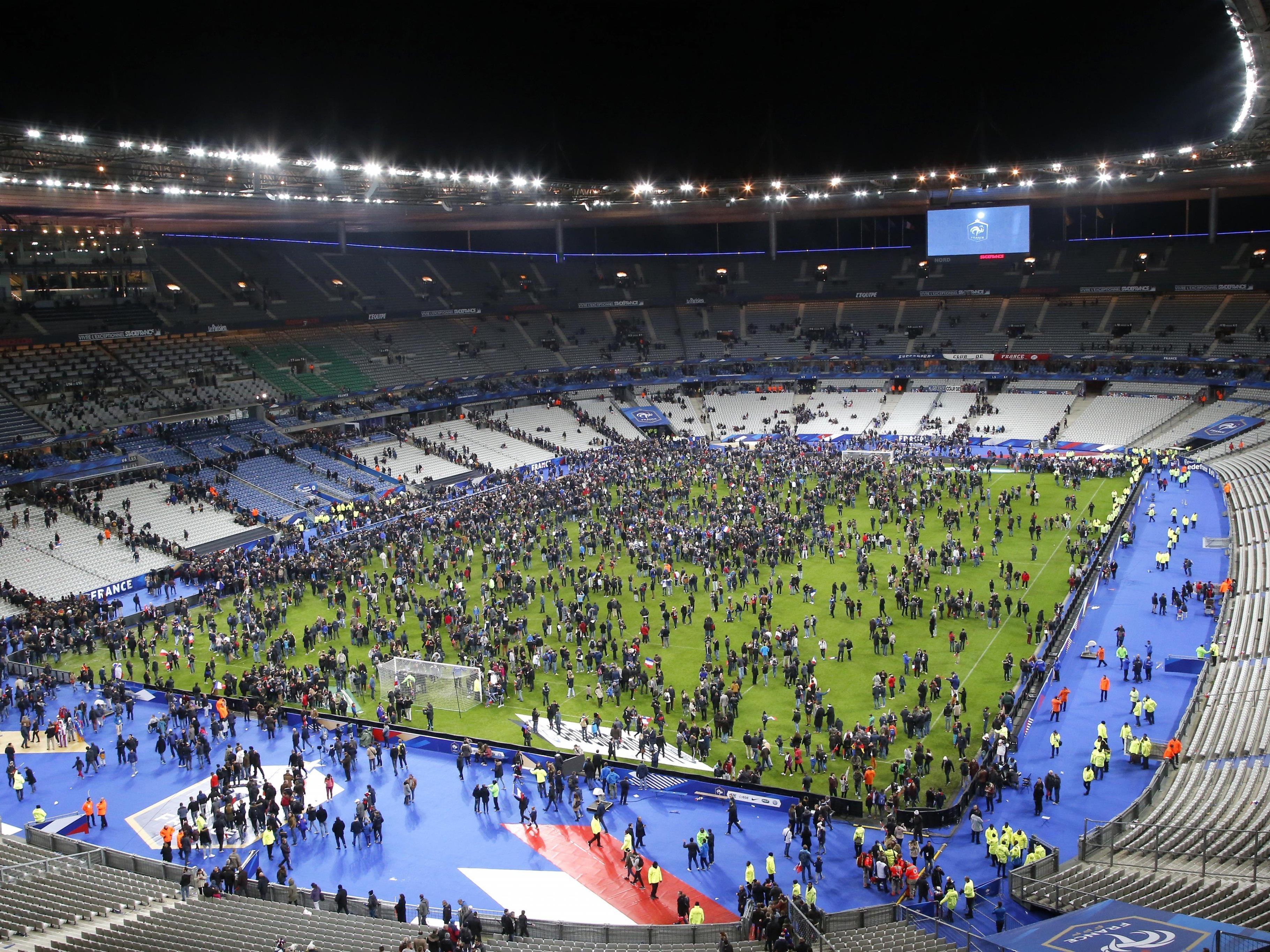 Das Stade de France nach den Explosionen am 13. November.