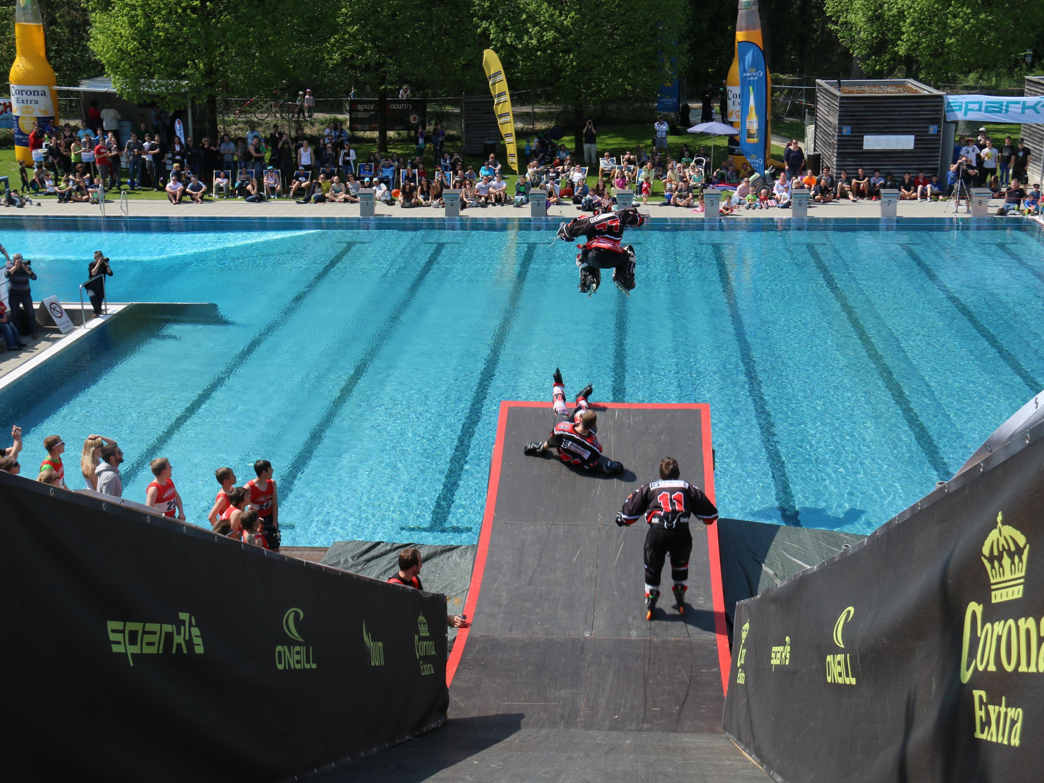 Am 23. April findet im Schwimmbad Gisingen der Corona Sprungtag statt.