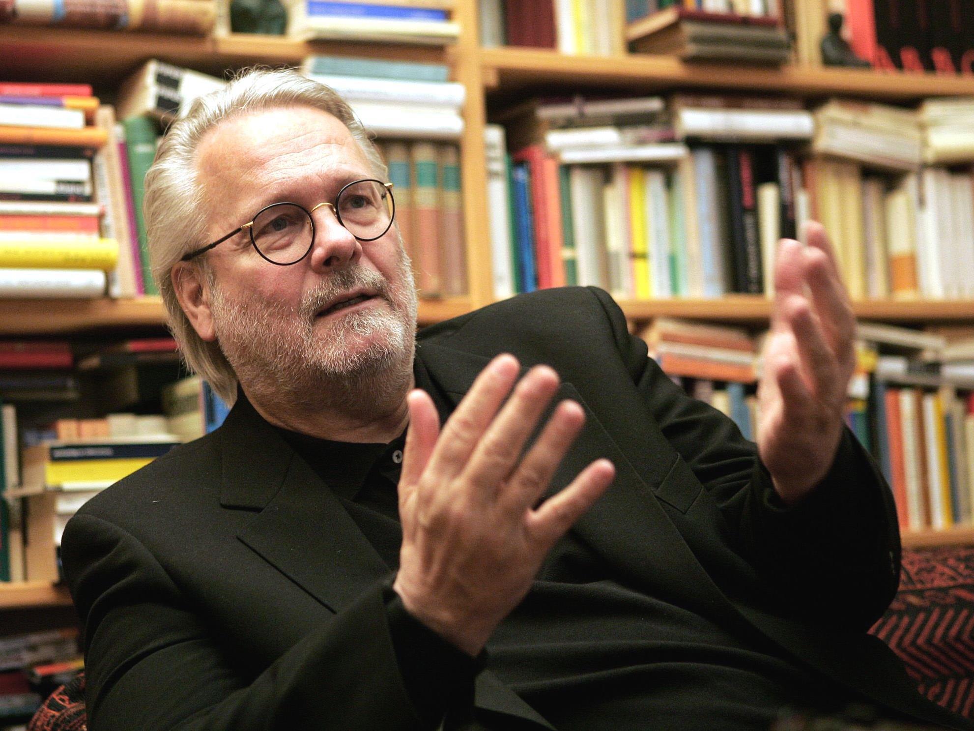 Gerhard Roth erhält den Großen Österreichsichen Staatspreis.